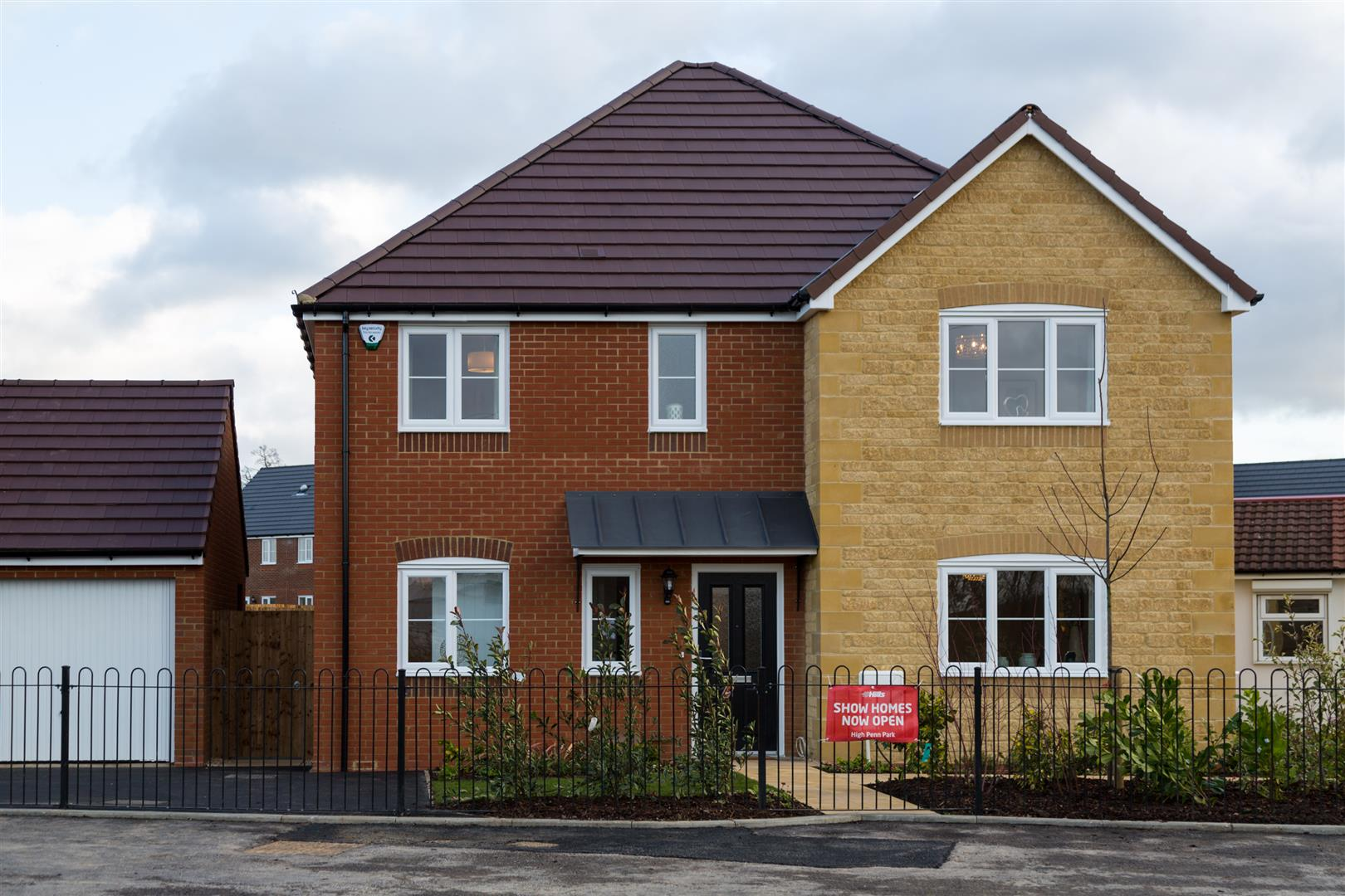 4 Bedrooms Detached House for sale in High Penn Park